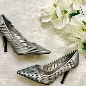 DELICIOUS 👗Silver Stiletto Heels Pumps